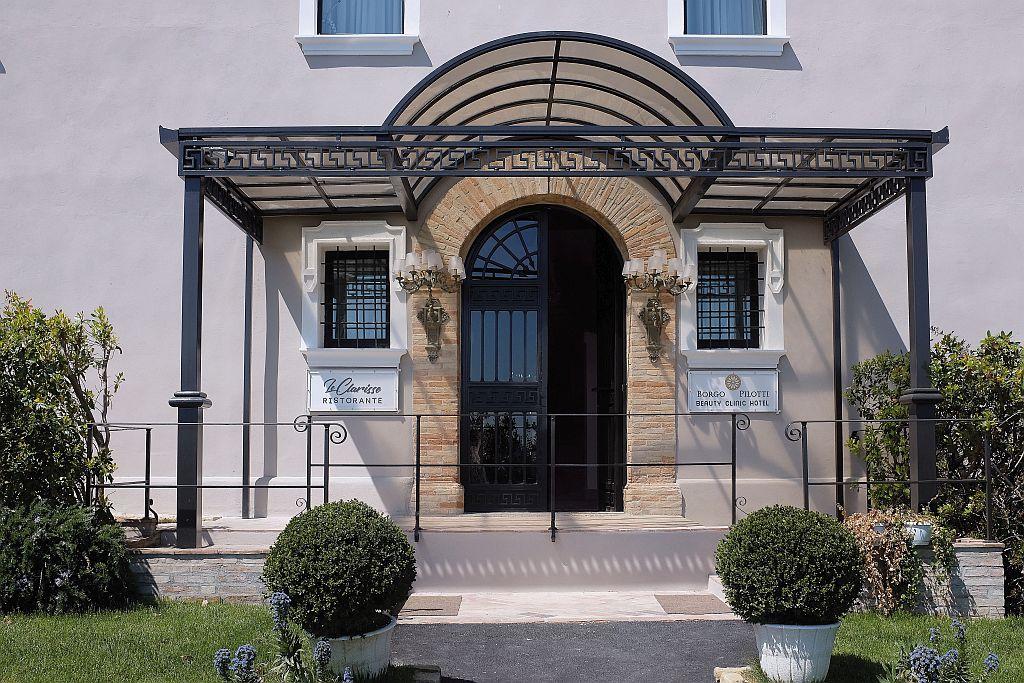 Borgo Pilotti, la beauty clinic che ridà speranza alle Marche
