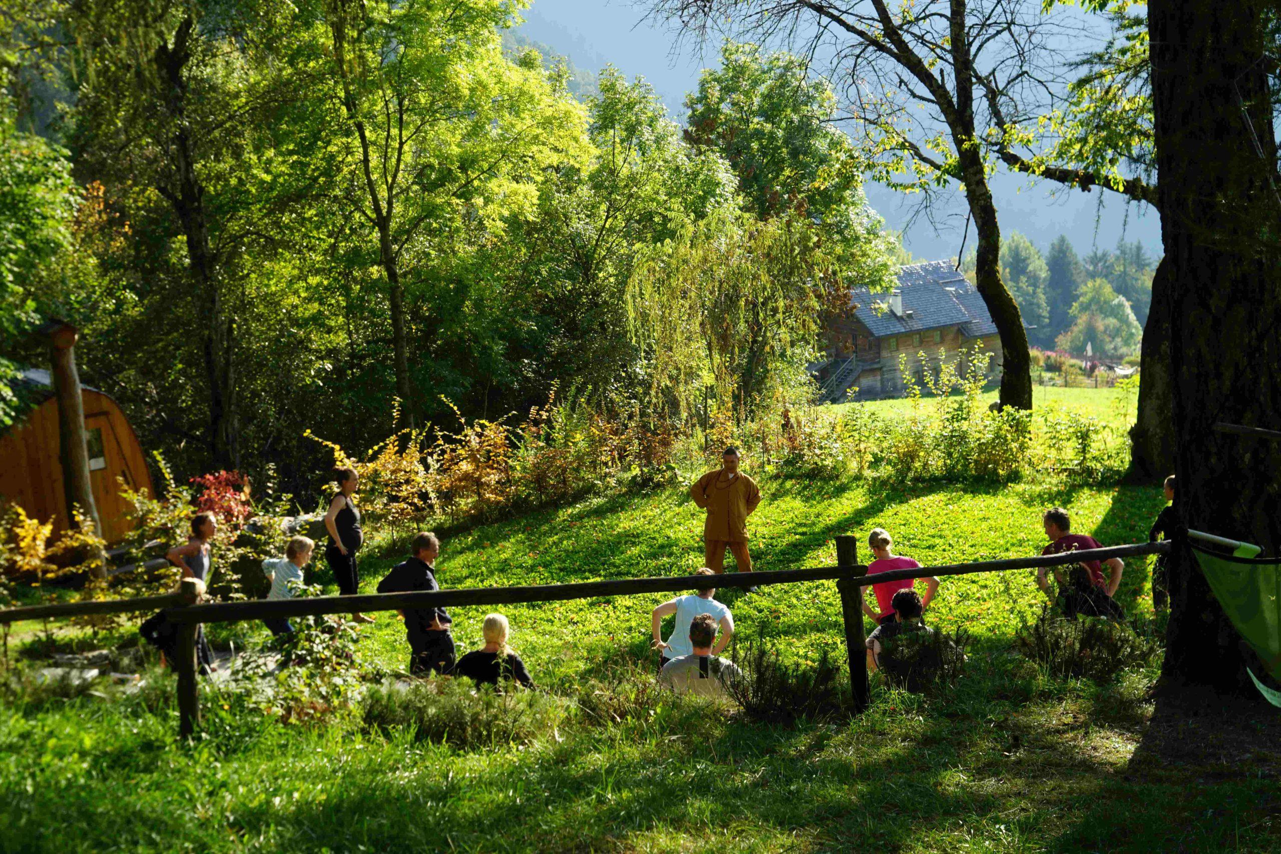 Bagni nel bosco e yoga all'aperto negli hotel di Belvita Leading Wellness Südtirol
