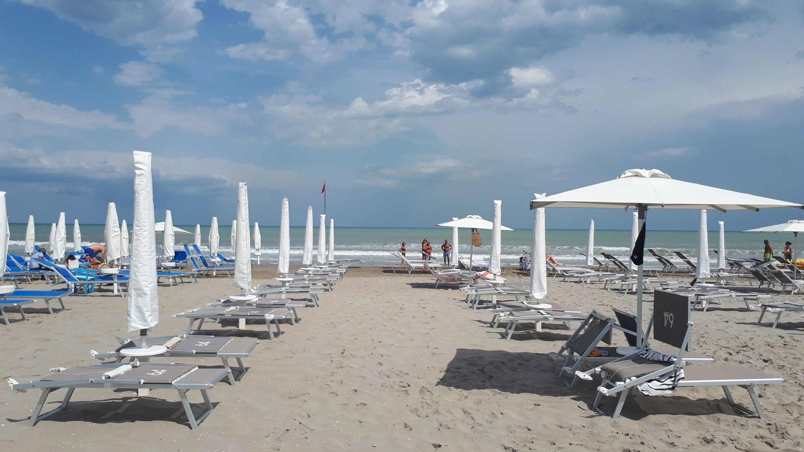Il turismo italiano contribuisce all'economia più di Francia e Spagna