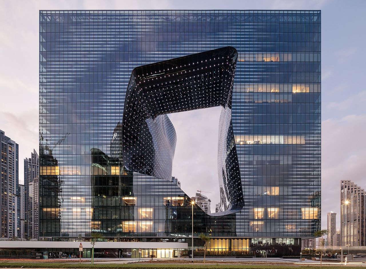Al Me Dubai Opus by Zaha Hadid il GRMS di VDA installato celebra il 1° anno di vita