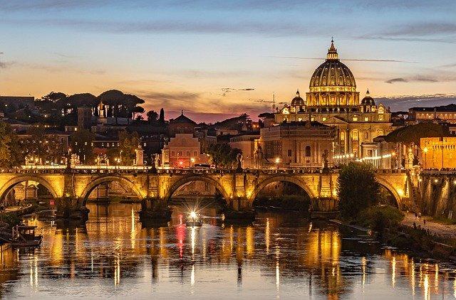 Roma, ex capitale del turismo internazionale, va rilanciata